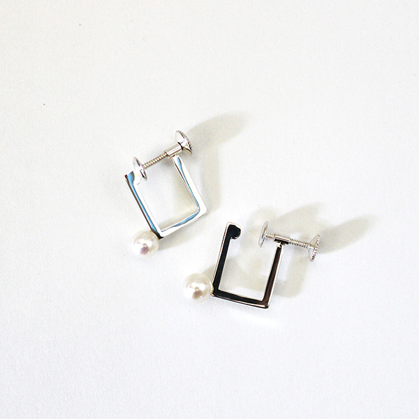 Square earring(pearl) 詳細画像